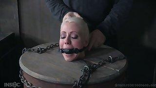 Horny mistress Lorelei Lee is punishing Lorelei Lee and her sex partner